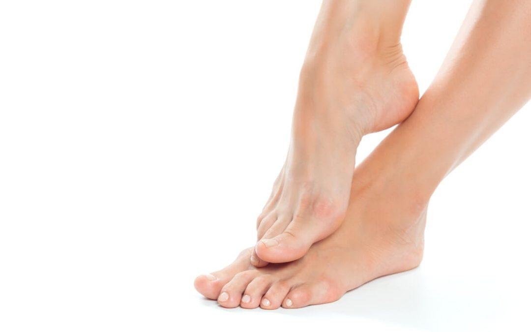 Cómo tratar las uñas encarnadas de los pies