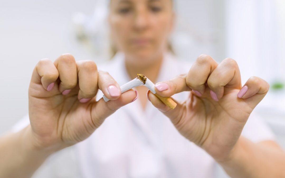 Cómo mejorar tu salud bucodental cuando dejas de fumar